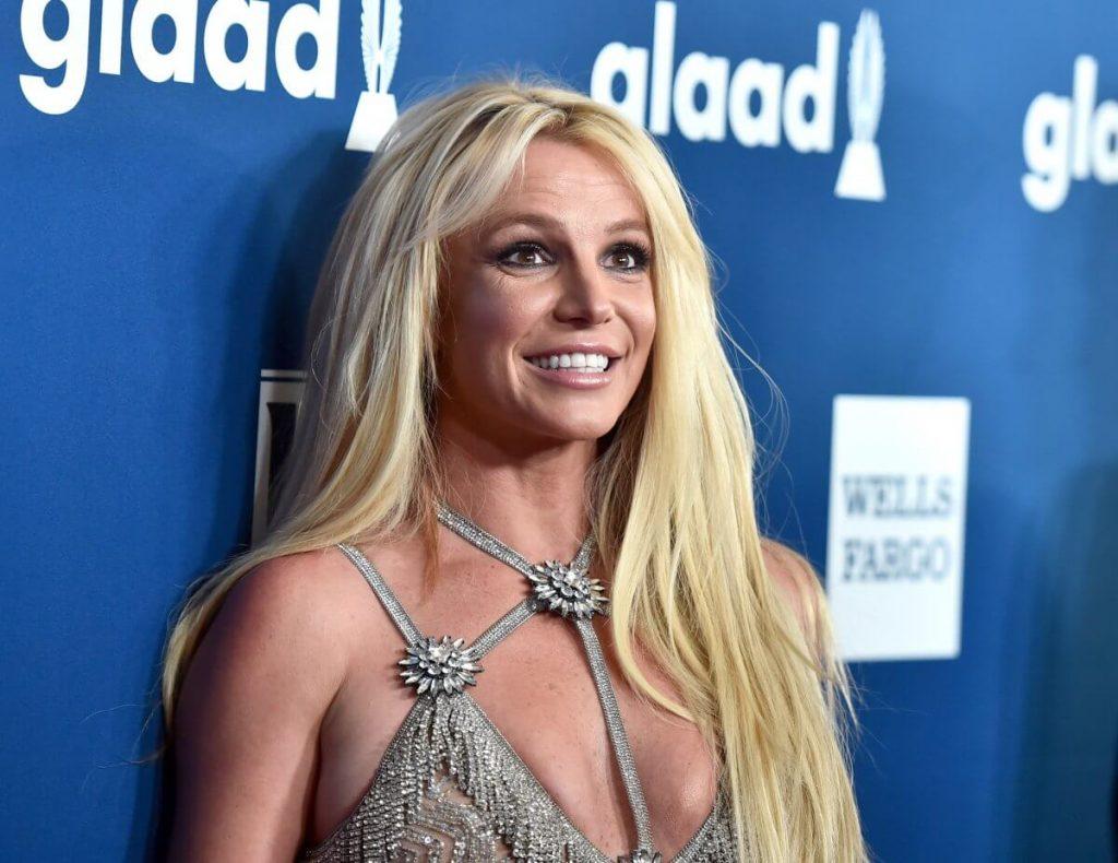 Britney Spears - Camões Rádio - EUA