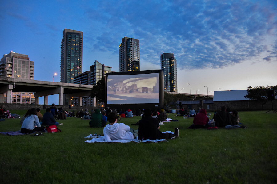 Outdoor Movies - Camões Rádio - Toronto