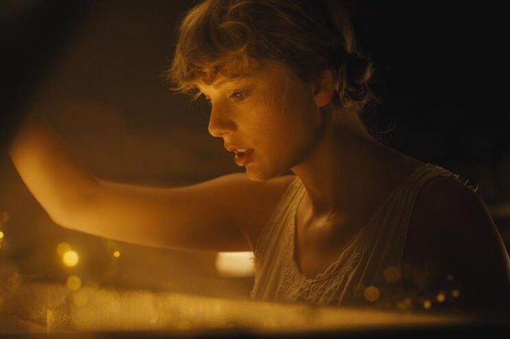 Taylor Swift - Camões Rádio - EUA