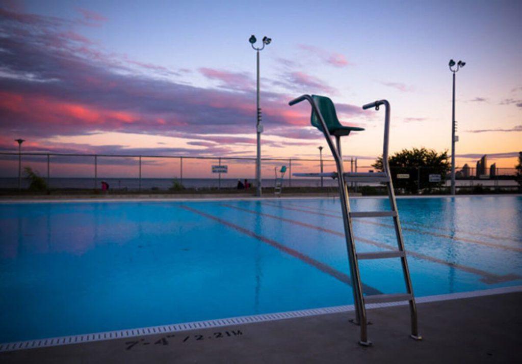 Toronto vai ter piscinas abertas até às 23h45 - Camões Rádio
