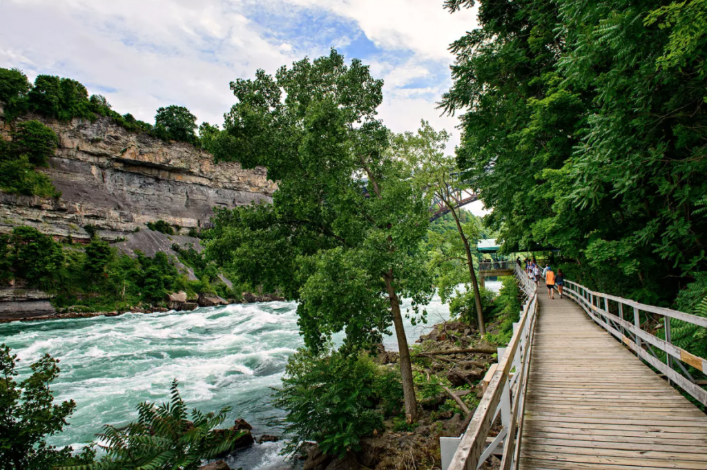 White Water Walk Niagara Falls - Camões Rádio - Canada