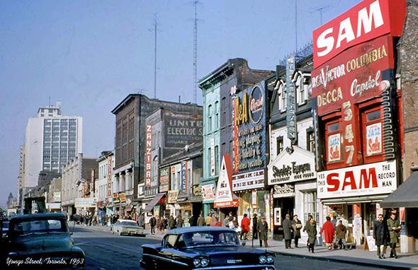 ruas de Toronto - Camões Rádio - Canadá
