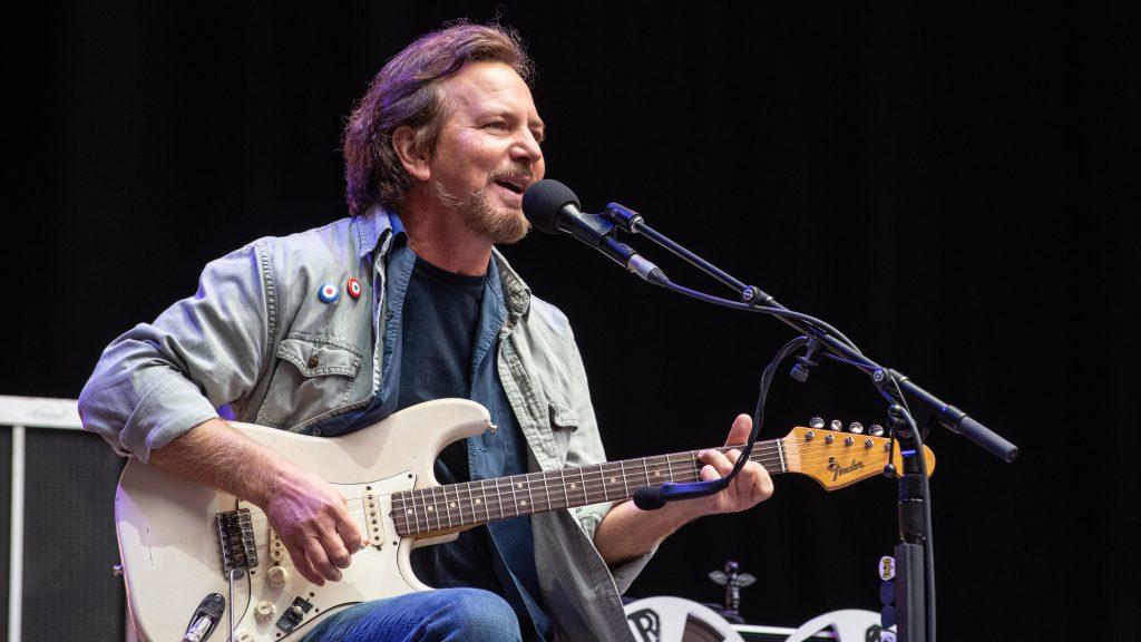 Eddie Vedder - Camões Rádio - Mundo
