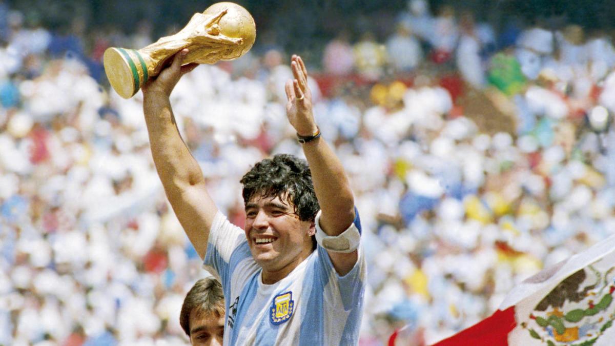 Diego Maradona - Camões Rádio - Mundo