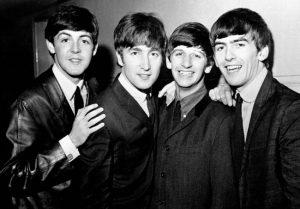 Paul McCartney The Beatles - Camões Rádio - Mundo