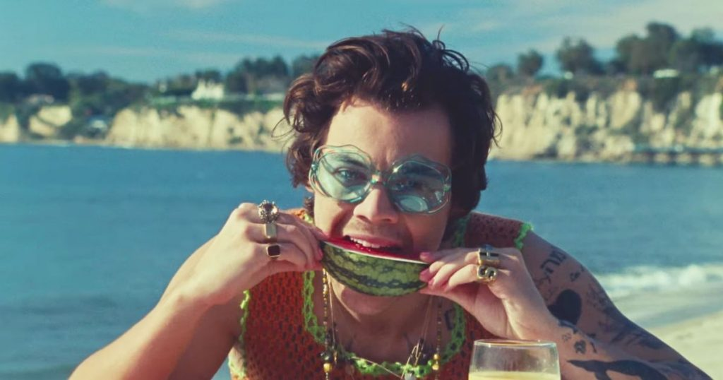 Harry Styles Watermelon Sugar _ Camões Rádio _ Mundo
