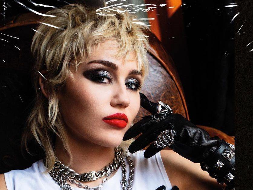 Miley Cyrus-Camões Rádio-World
