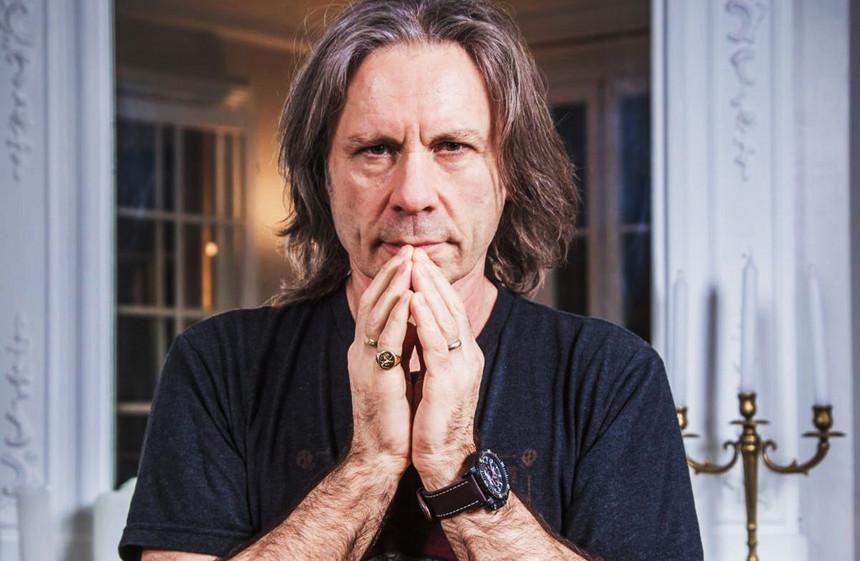 Bruce Dickinson dos Iron Maiden - Camões Rádio - EUA