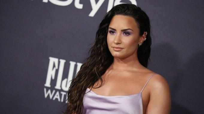 Demi Lovato - Camões Rádio - Mundo
