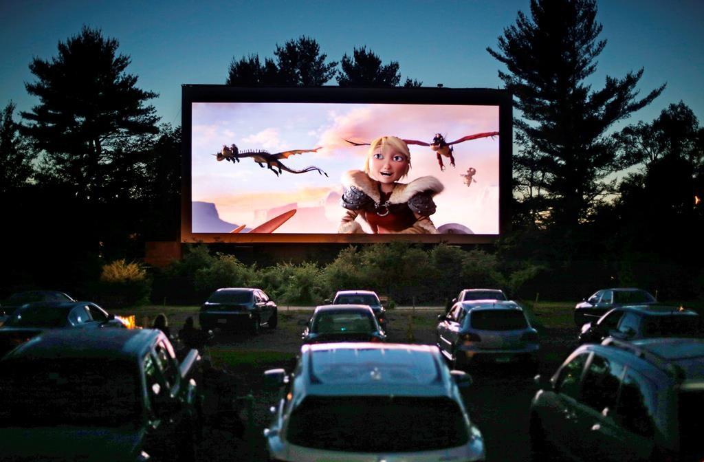 Drive-In cinema - Camões Rádio - Ontário