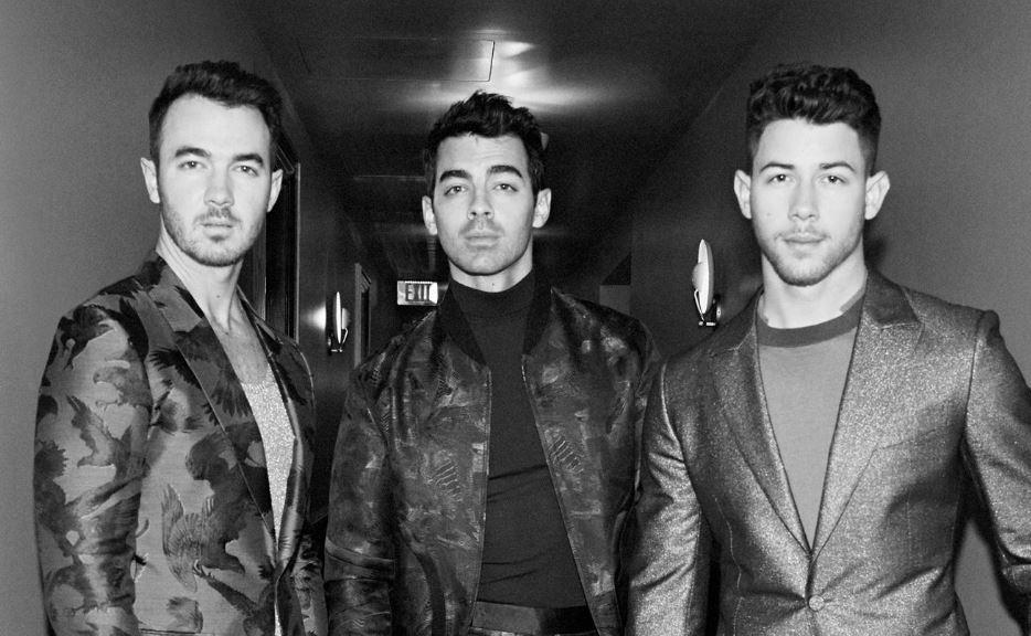 Jonas Brothers - Camões Rádio - mundo