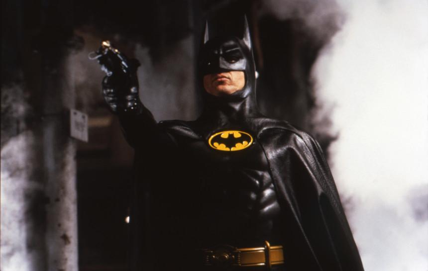 Michael Keaton Batman - camões rádio - mundo