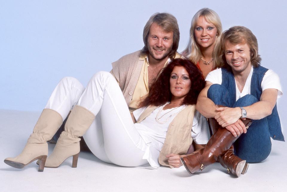 ABBA nova música - camões rádio - mundo