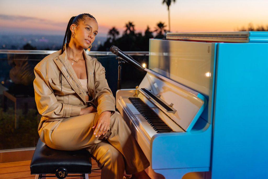 Alicia Keys e filho - Camões rádio - mundo