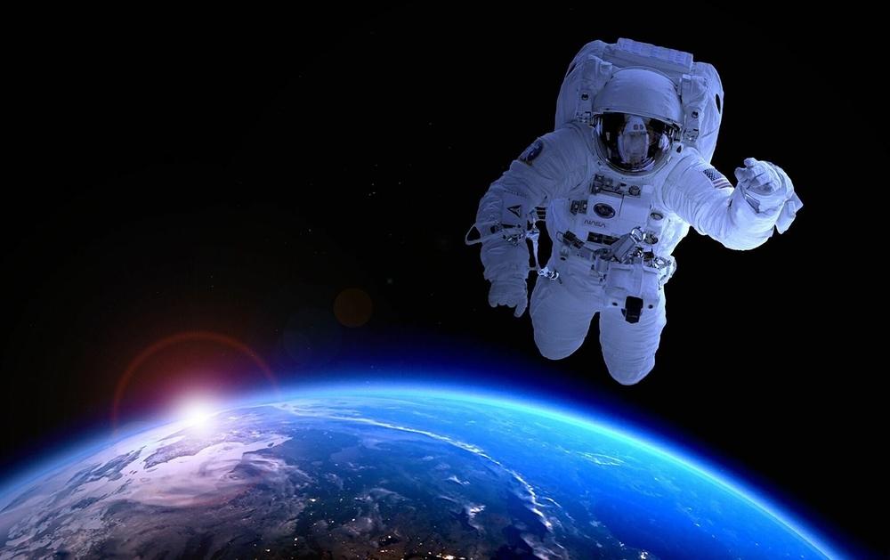 Astronauta - Camões Rádio - Agência Espacial Europeia