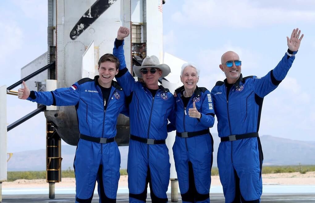 Jeff Benzos viagem ao espaço - Camões Rádio - Mundo