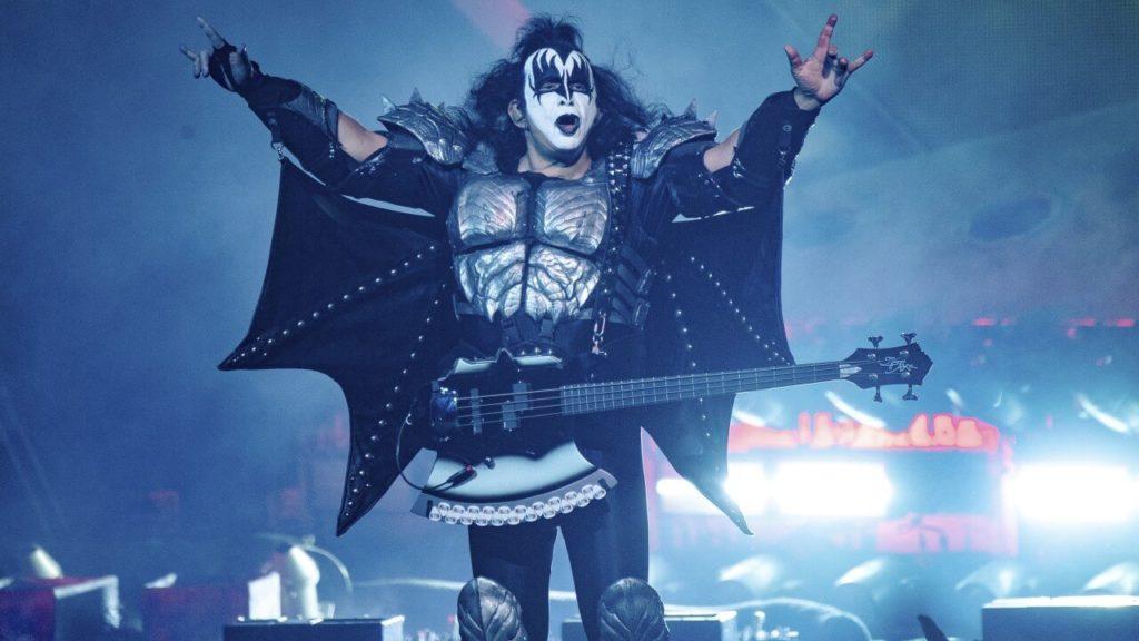 Kiss cancelam concerto. Gene Simmons - Camões Rádio - Covid-19