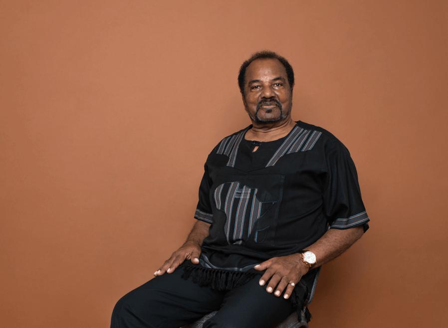 Bonga celebra 50 anos de carreira - Camões Rádio - Música Angola