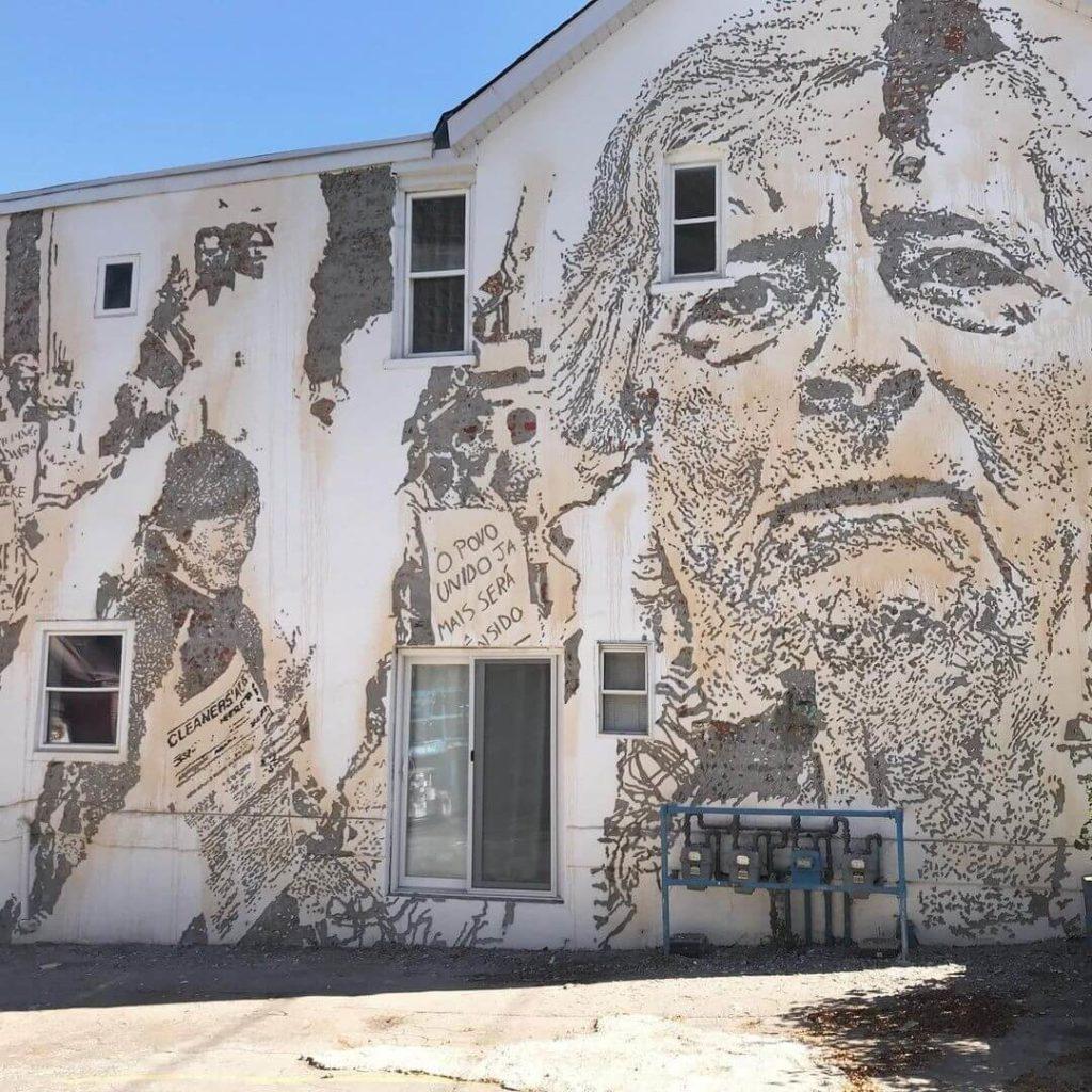 Vhils faz mural em Toronto - Camões Rádio - Arte Urbana